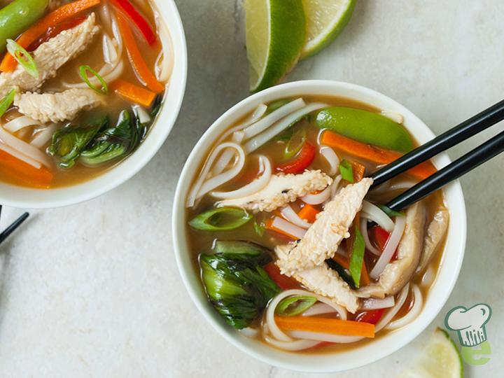 sesame-chicken-noodle-bowl